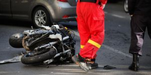 botsing inhalende motorfiets